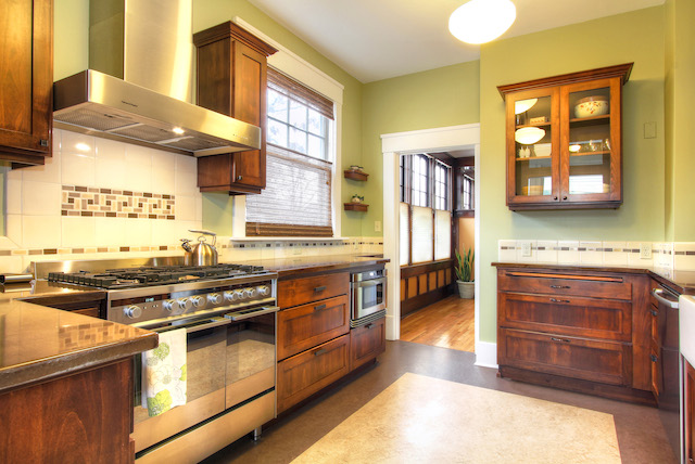 A '60s kitchen gets with the times